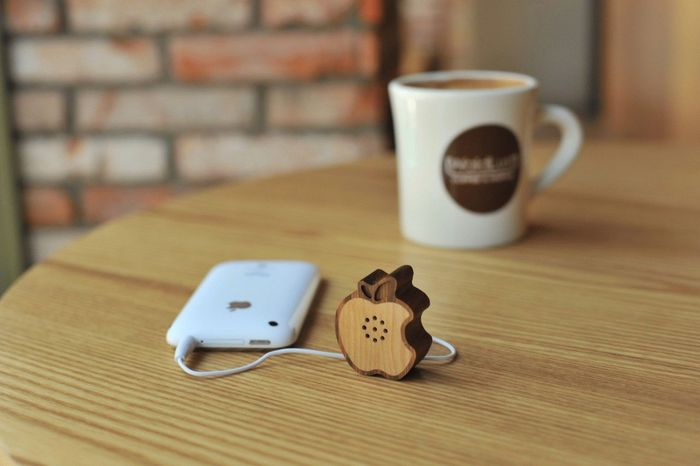 Wooden Apple Speaker