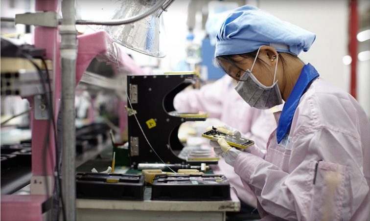 foxconn iphone production