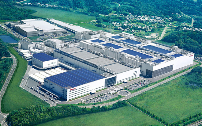 Sharp_Kameyama_plant_01