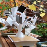 Солнечный бонсай — зарядка для iPhone
