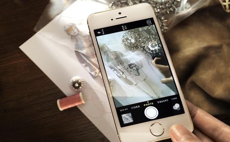 Модное дефиле Burberry снимут на камеру iPhone 5S