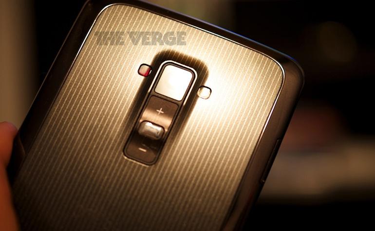 LG G Flex засветился в новостях