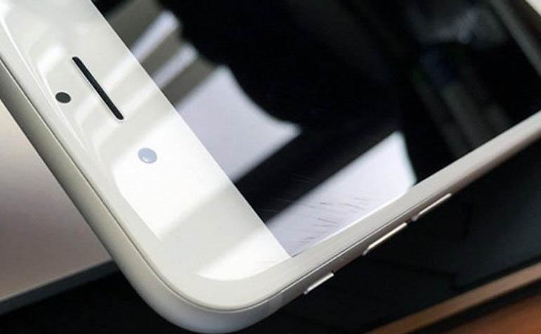 Стекло нового iPhone 6 легко царапается