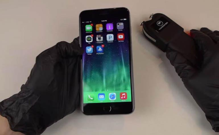 iPhone 6 Plus поджарили электрошокером