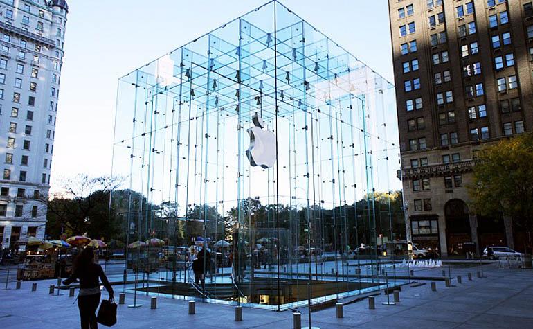в 2015 году Apple приобрела 15 компаний