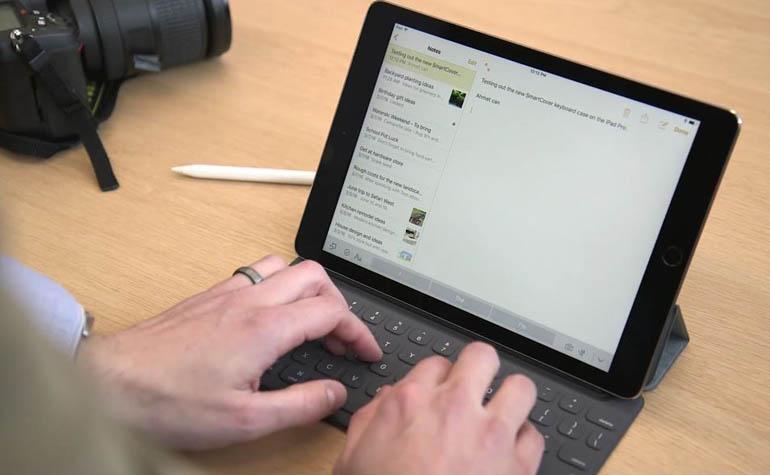"Apple анонсировала iPad Pro 9,7"""