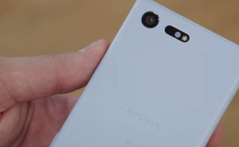 Sony Xperia X Compact в российской рознице