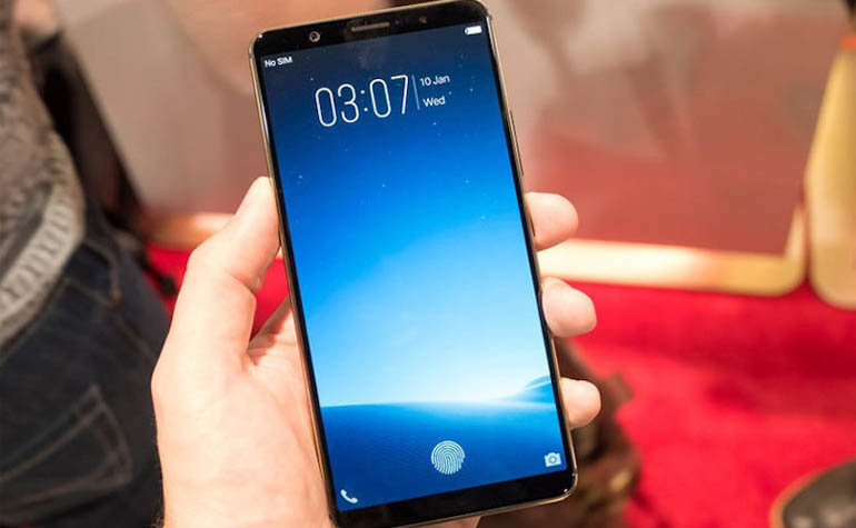 Смартфон Vivo с датчиком Clear ID