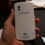 LG Nexus 4 теперь в белом