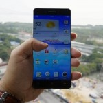 Новый смартфон OPPO R7 с безрамочным дисплеем